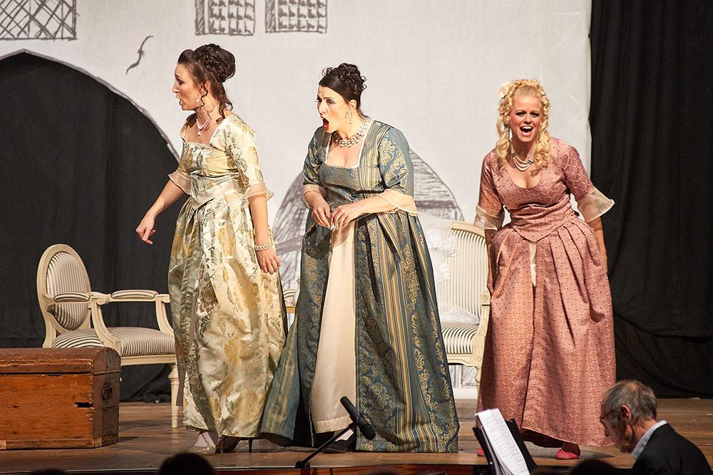 """Allegro Vivace - """"Der Bettelstudent"""", Linda Hergarten, Silke Hartstang, Barbara Felicitas Marin"""