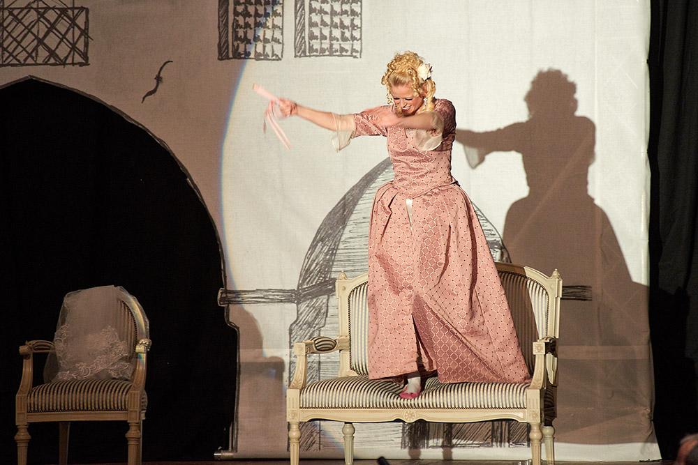 "Allegro Vivace - ""Der Bettelstudent"", Barbara Felicitas Marin"