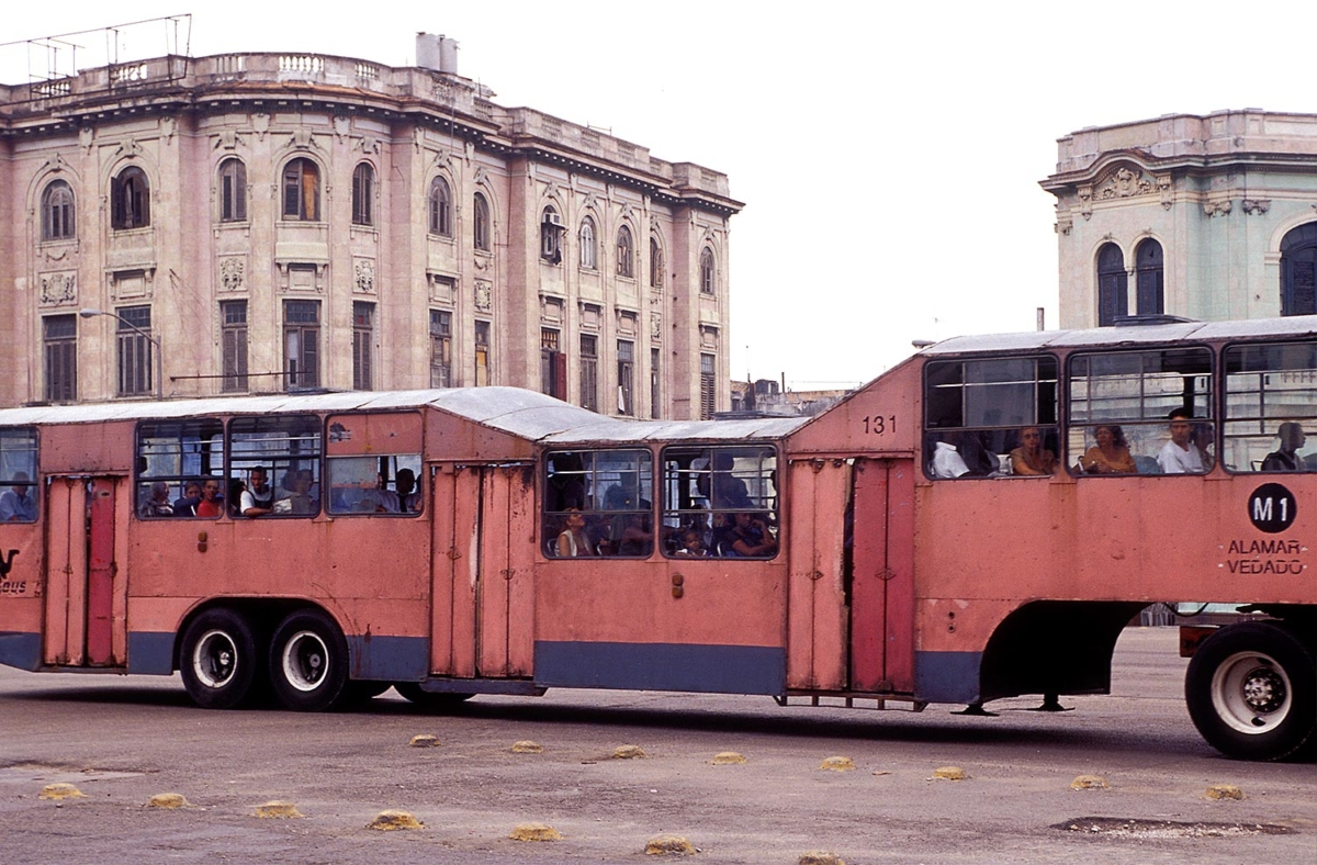 Kuba - Camello - Bus in Havanna